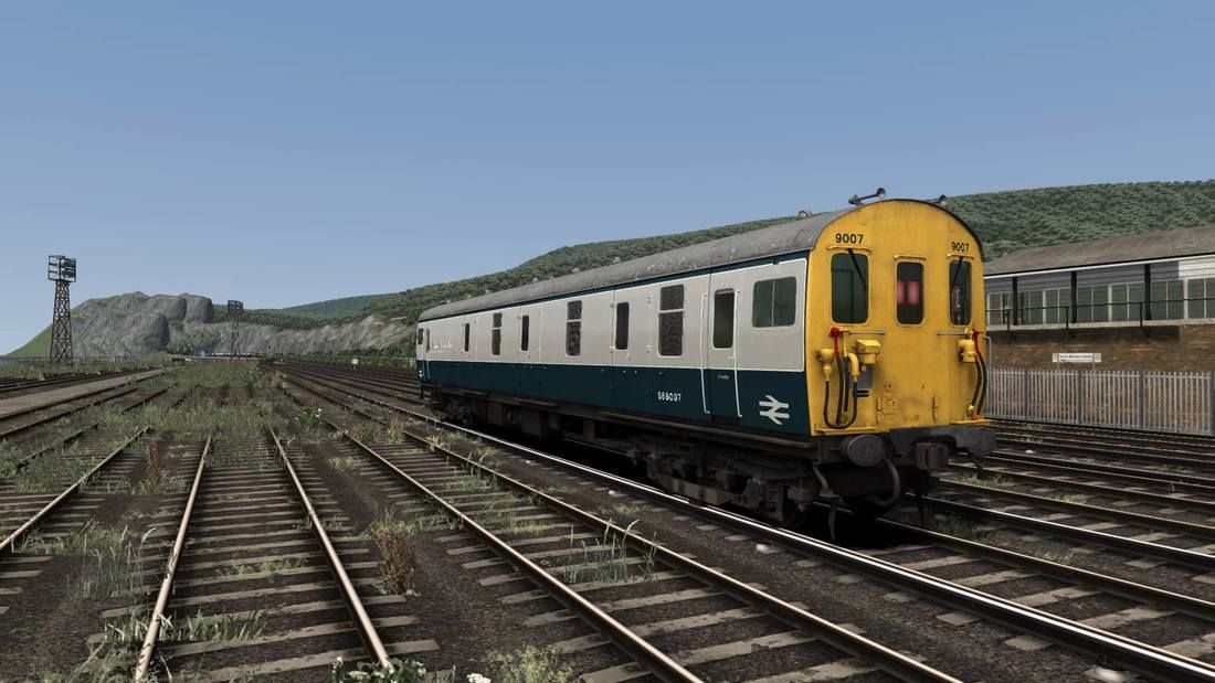 Image showing screenshot of repainted Class 419 MLV BEMU from Backdated Trainsim.