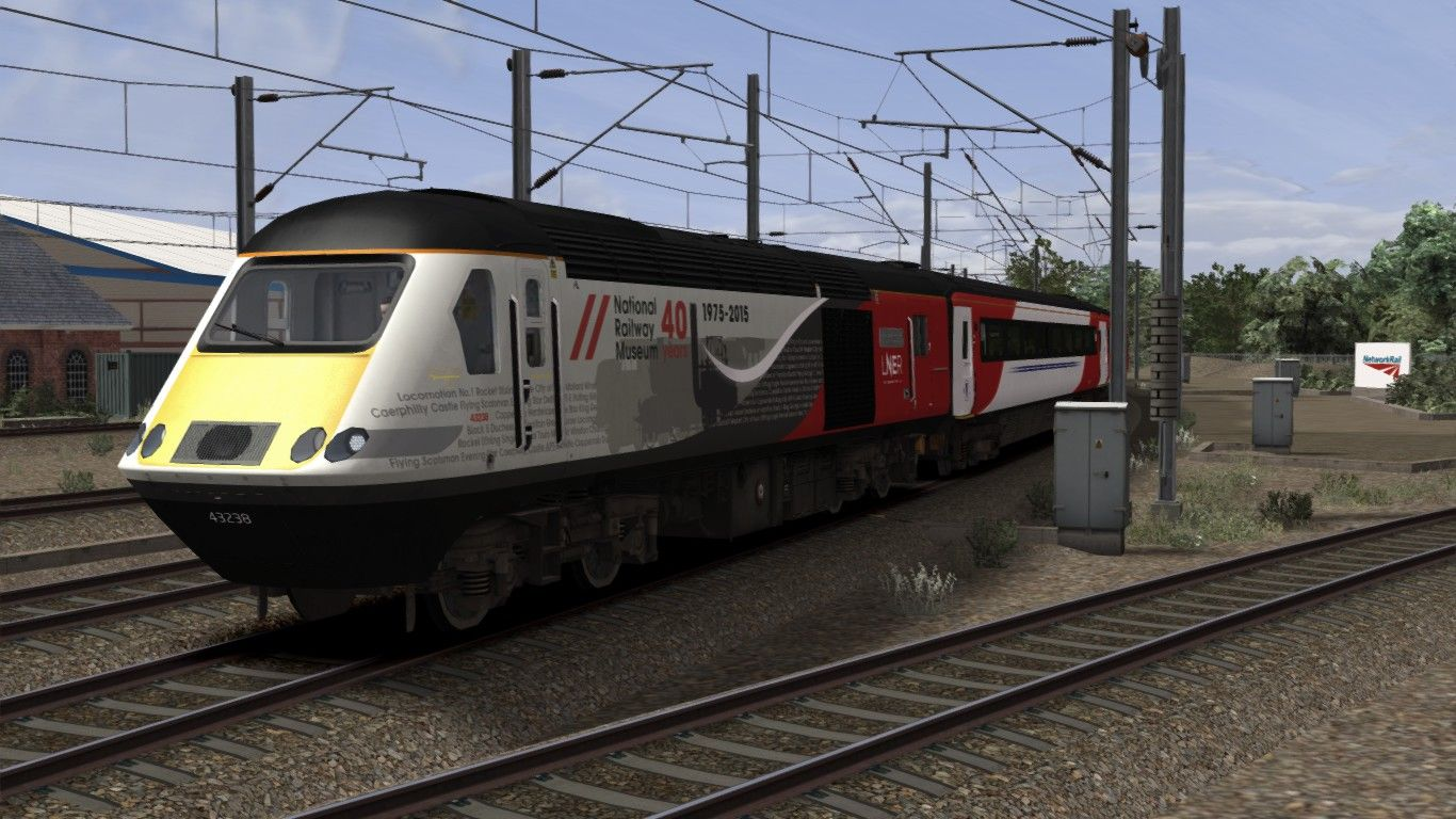 Image showing screenshot of the High Speed Train (HST) in a variation of LNER livery as available from the Alan Thomson Sim website.