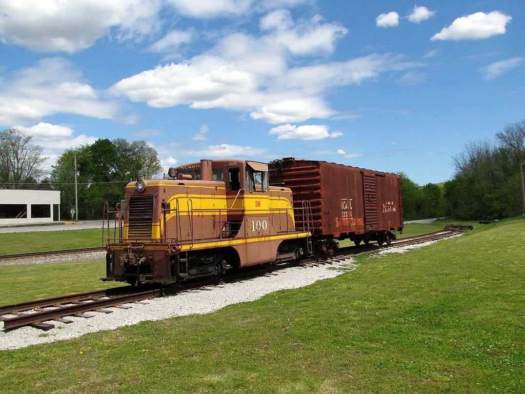Image showing GE 44-ton switch engine and box car on display at the Cowan Railroad Museum in Cowan, Tennessee, United States.
