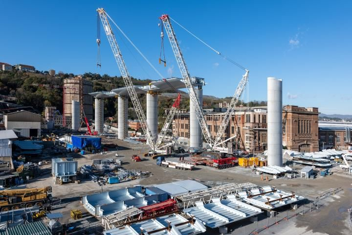 Image showing construction work on the new bridge at Genoa