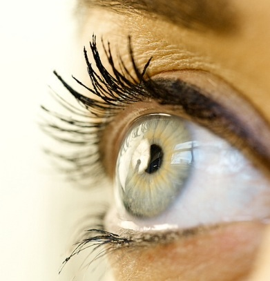 clear anterior eye