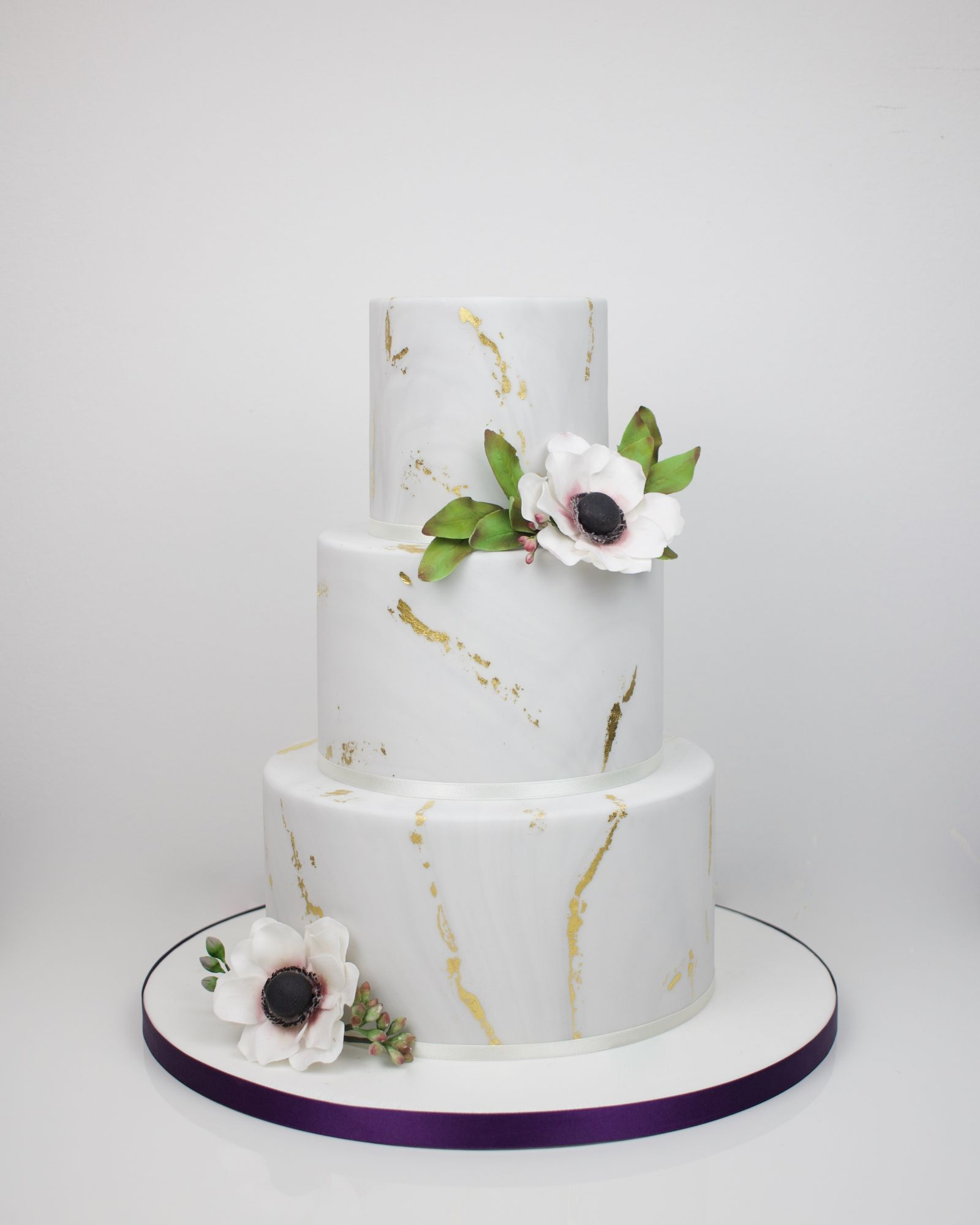 Marble effect with gold leaf and sugar  anemones