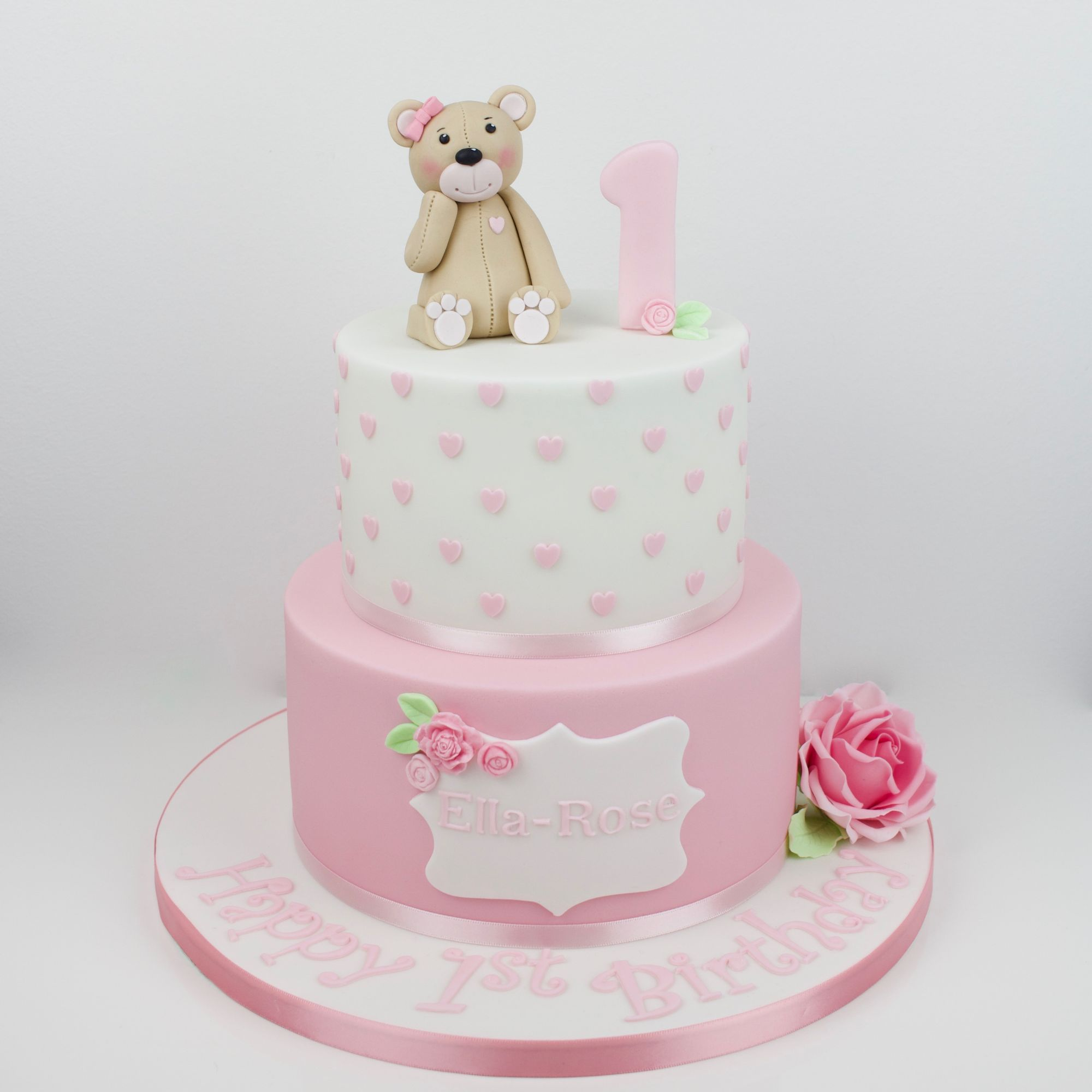 Teddy, rose cake