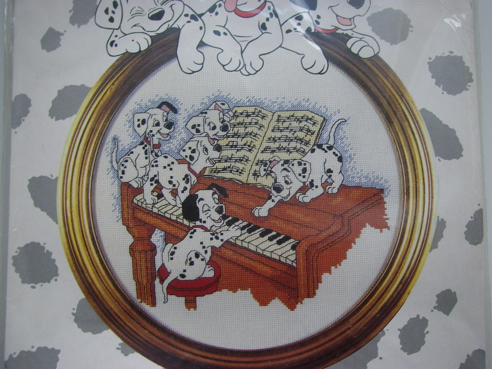Designer Stitches: F21 101 Dalmatians Piano Time ~ Cross Stitch Kit