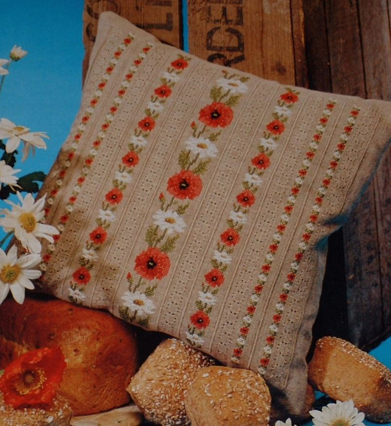 Poppy Cushion ~ Cross Stitch & Pulled Work Chart