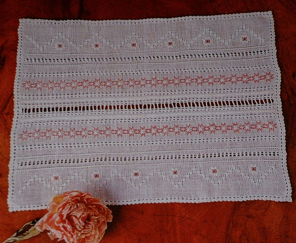 Pulled Work Decorative Tray Cloth ~ Pulled Work Pattern