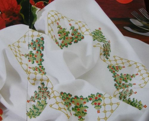 Christmas Tree Tablecloth ~ Cross Sttich Chart