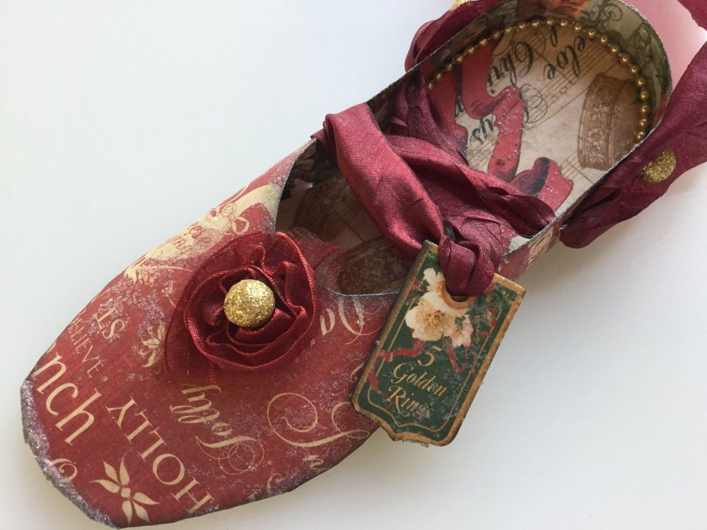 5 Golden Rings ballet slipper front