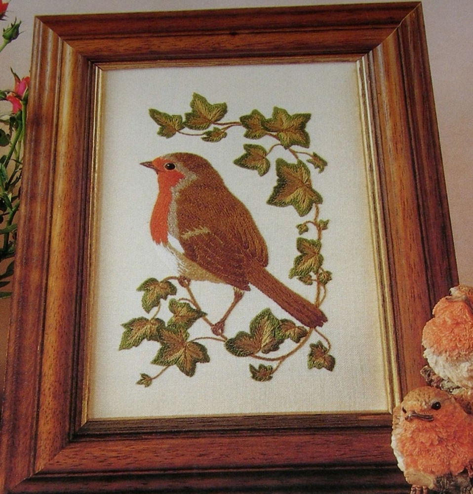 Robin Bird on Holly ~ Hand Embroidery Pattern