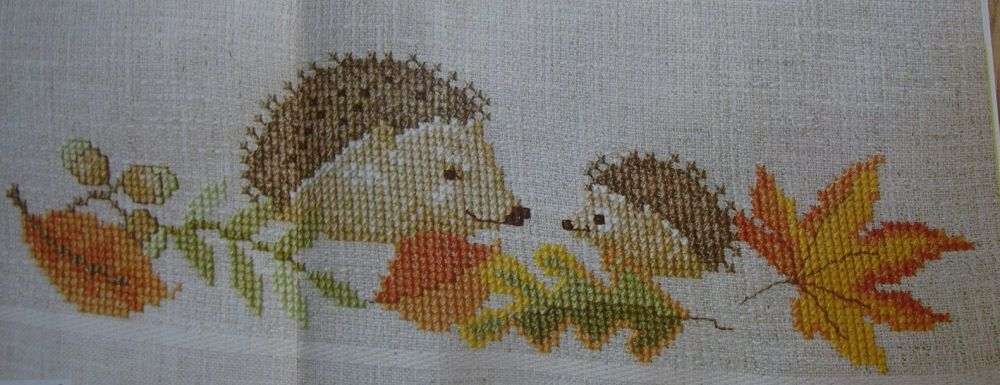 Hedgehogs and Autumn Leaves Border ~ Cross Stitch Chart
