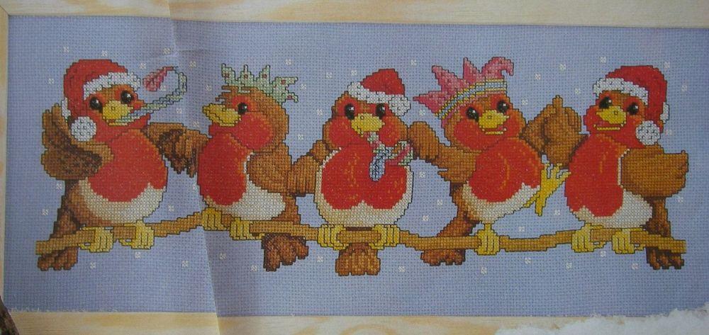 Five Robins Celebrating Christmas ~ Cross Stitch Chart