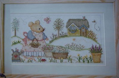 Mouse in a Country Garden ~ Cross Stitch Chart
