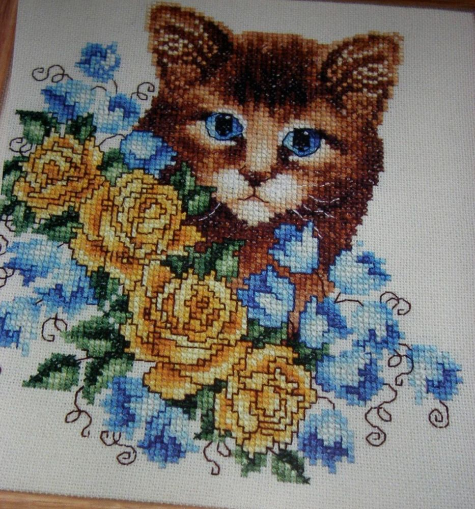Kitten Amongst the Bluebells and Roses ~ Zweigart Cross Stitch Chart