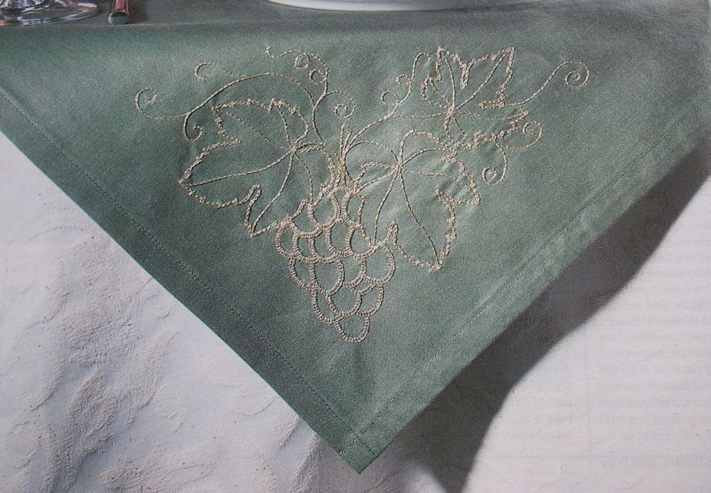 Bunch of Grapes with Leaves Tablecloth & Napkin ~ Hand Embroidery Patterns