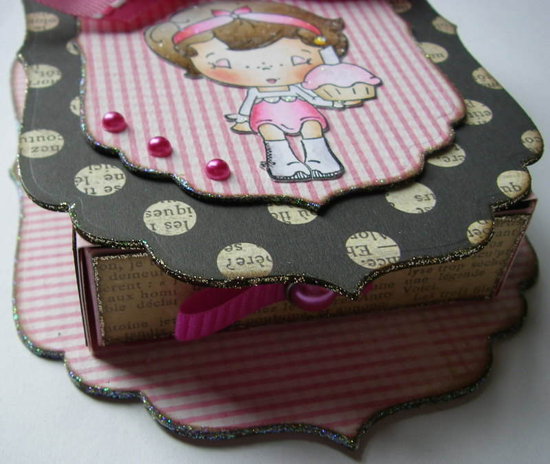 *cupcake belle* front