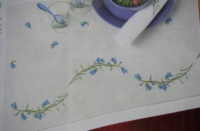 Bellflower Runner table Napkins Table runner ~ & stitch  Charts Cross napkins