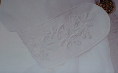 Mountmellick Curtain Tie Back ~ Mountmellick Embroidery Pattern