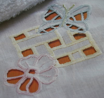 Cutwork Dressing Table Cloth ~ Cutwork Embroidery Pattern