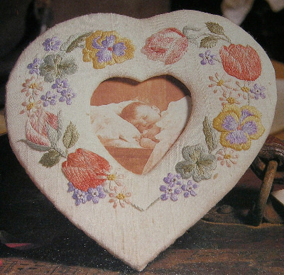 Floral Heart Shaped Photo Frame ~ Embroidery Pattern