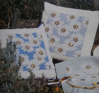 Dramatic Daisy Cushion ~ Cross Stitch Chart