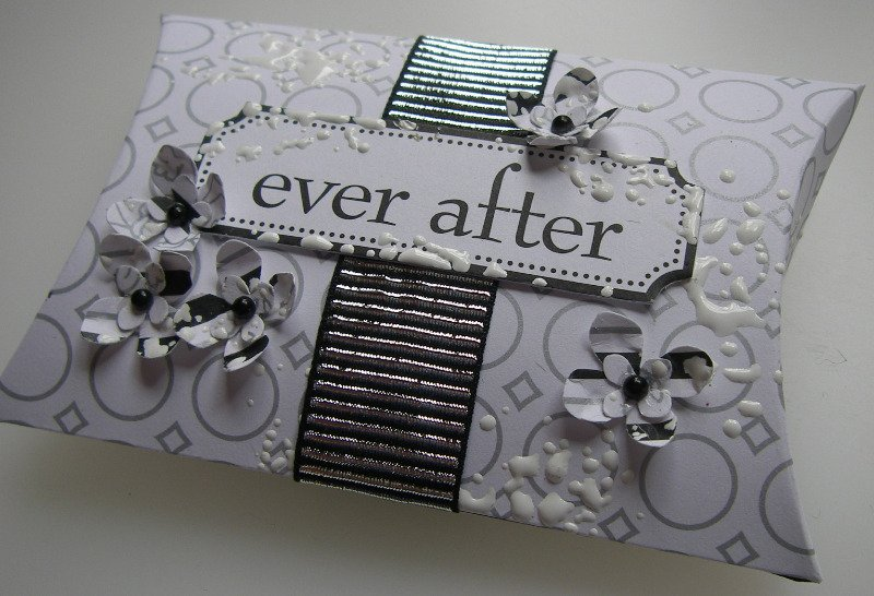 ever after pillow box favour full