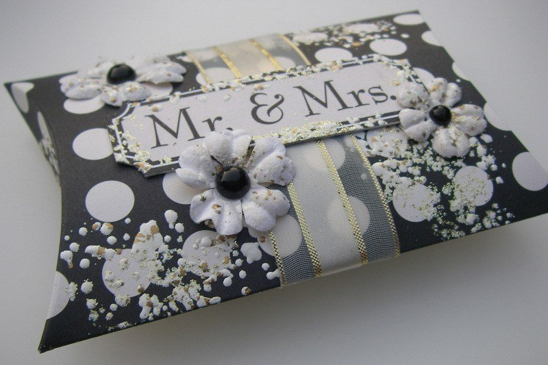 Mr & Mrs pillow favor box left slide
