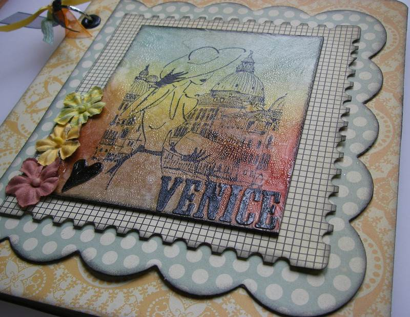 heart Venice holiday scrapbook album right slide