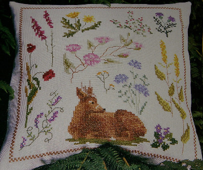 Autumn Deer and Wildflower Cushion ~ Cross Stitch Chart