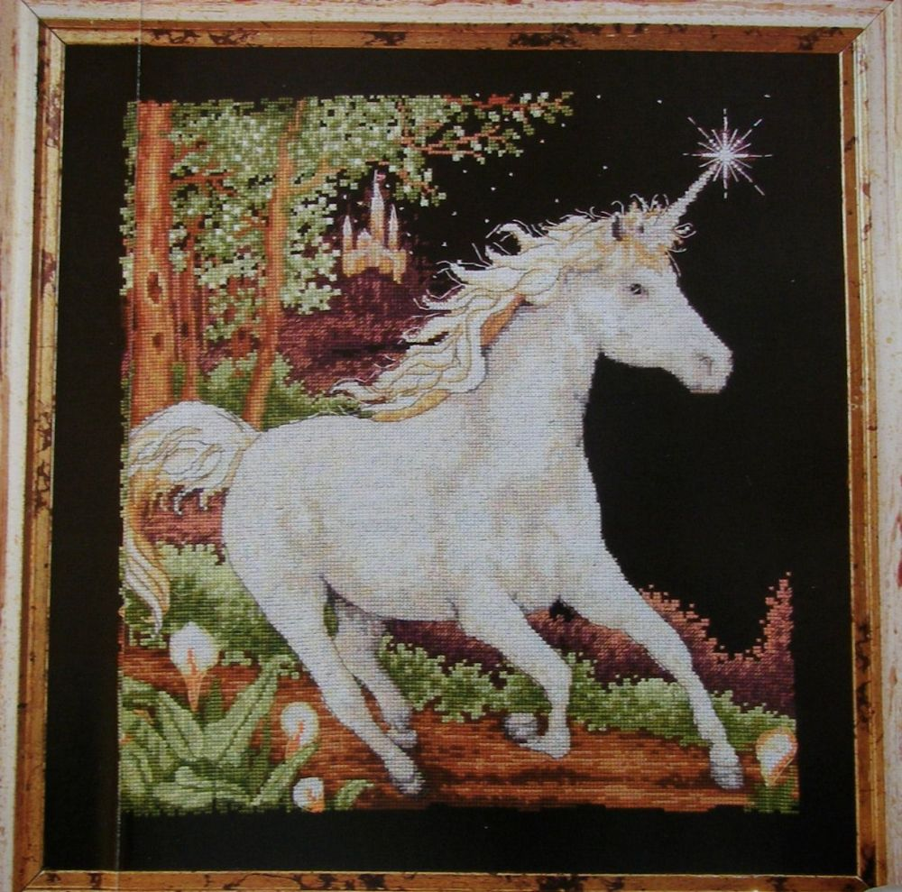 Snow White Unicorn ~ Cross Stitch Chart