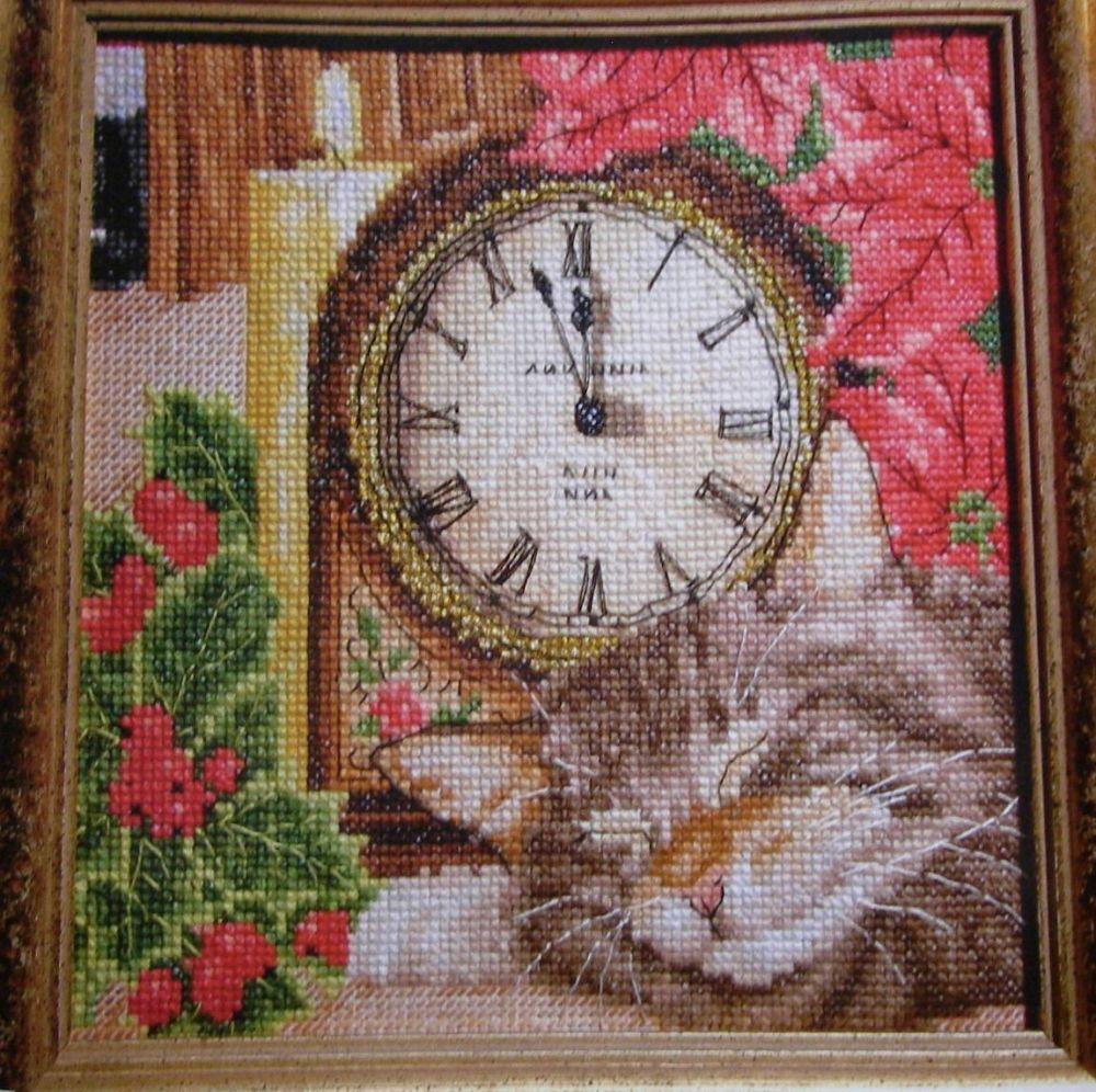 Sleeping Cat Amongst Christmas Foliage ~ Cross Stitch Chart