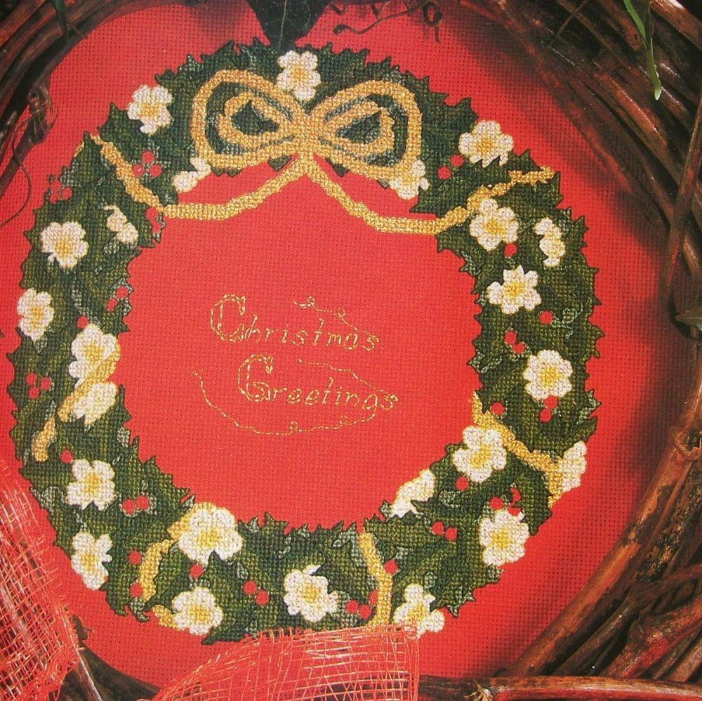 Festive Christmas Wreath ~ Cross Stitch Chart