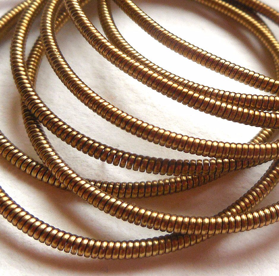 Brass coloured purl wire - 50cm