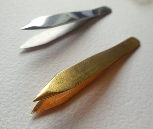 Rounded tip tweezers