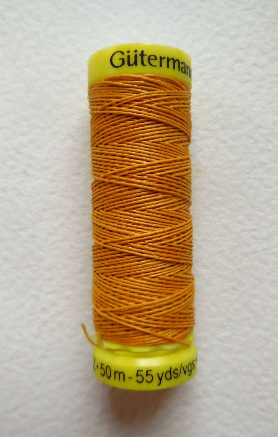 Linen sewing thread, gold colour