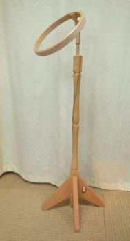 Floor stand with hoop