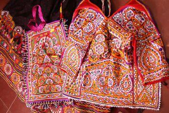 Textile-techniques-shisha-embroidery