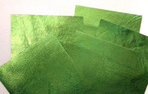 Leather squares, metallic finish - 10cm2 - Lime Green