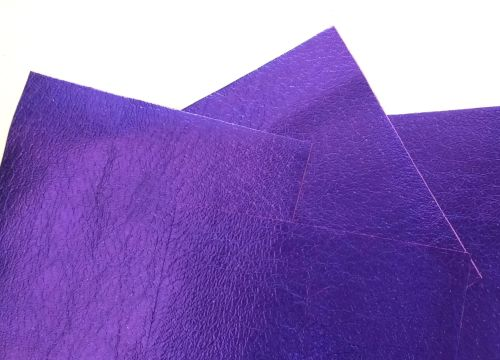 Leather squares, metallic finish - 10cm2 - Lavender