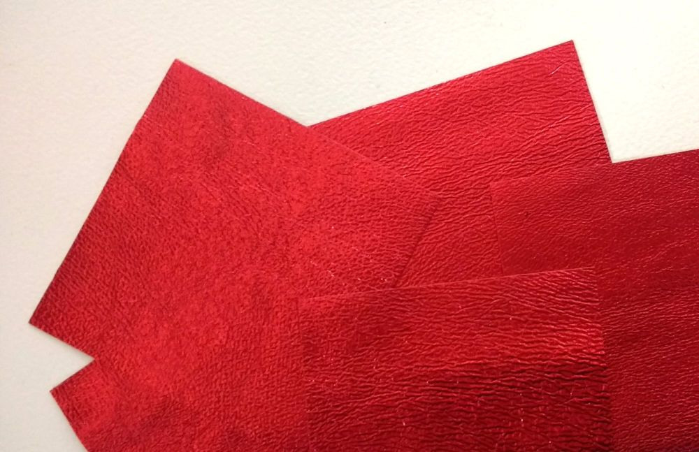 Leather squares, metallic finish - 10cm2 - Poppy Red