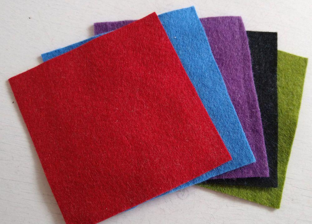 Felt square 10cm x 10cm Red