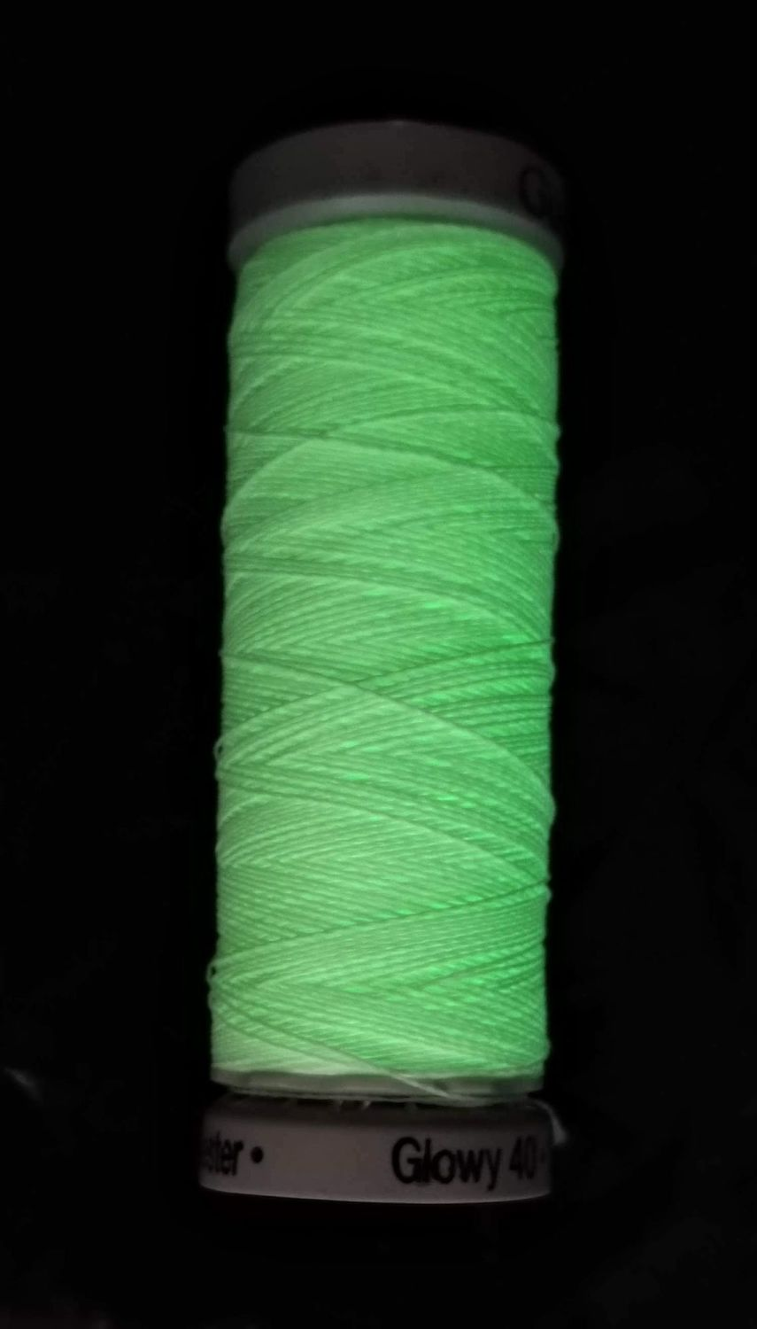 Glow in the dark thread, colour 8