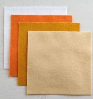 Felt square 10cm x 10cm Pale yellow