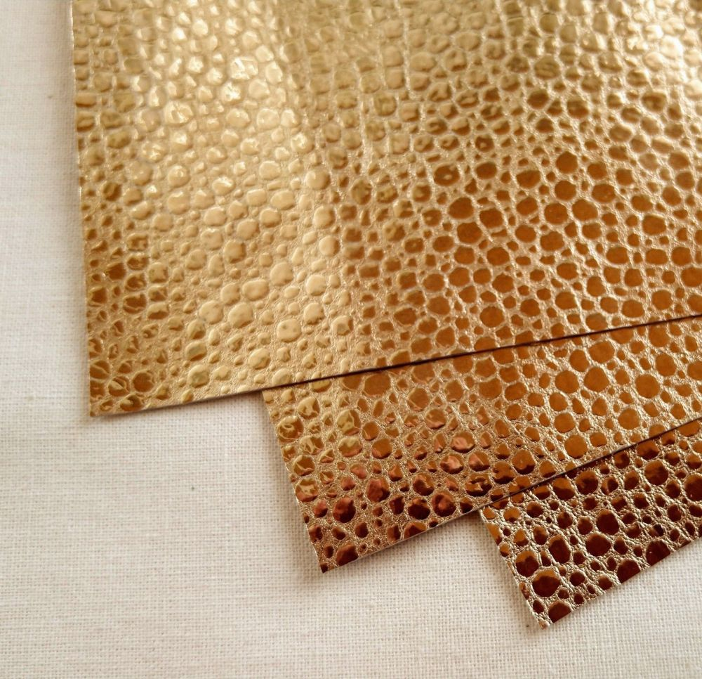 Leather squares, metallic finish - 10cm2 - Gold Bubble