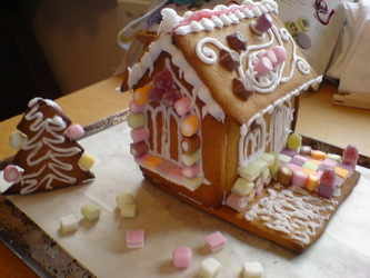 Carolines Gingerbread house