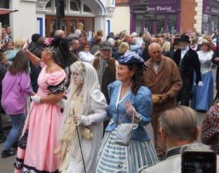Dickens festival ladies