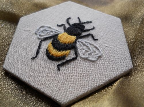 Swarm of bees - crewelwork embroidery kit