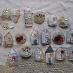Brooches 4