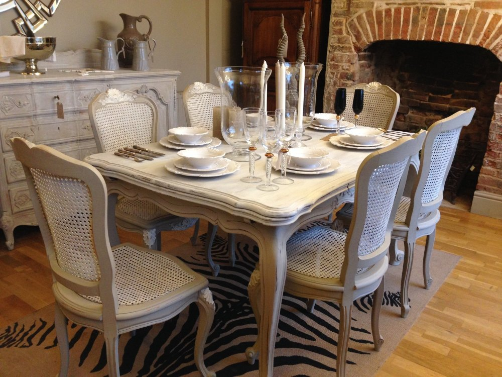 Vintage French Dining Table Extending With 6 Chairs Code