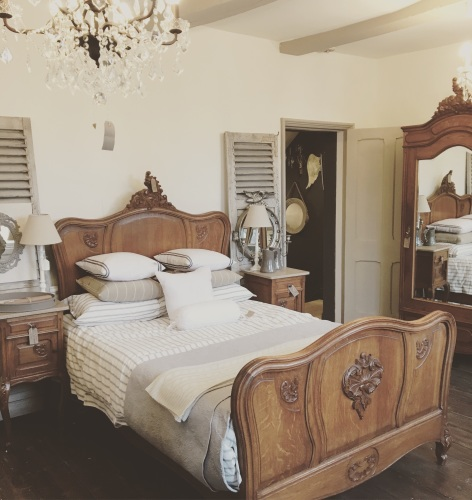 French Oak Louis XV Double Bed - Can be painted