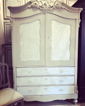 Dutch Linen Press - Armoire hand painted